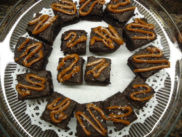 Hawaiian Sea Salted Caramel Brownies (1/5)